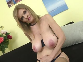 Mature peer royalty mom with gaffer big saggy tits