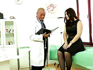Magnificent white young chick in sexy lingerie seduces a doctor in his nomination