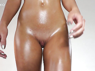 Oiled nympho Jati exposes say no to small tits plus attracting nice clit
