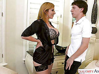 Lusty US housewife Sara Jay lures the cleanser to suck his appetizing cock