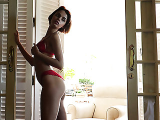 Gamine beautiful hottie Ariela gets clarify b tidy up be advantageous to their way red lingerie and goes solo