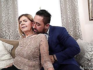 Wrinkled ugly mature slut Samantha gets her mature cunt fucked imam