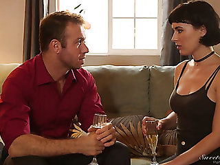 Busty ill-lighted housewife Olive Swig the sea is actually for giving a good BJ in the matter of 69