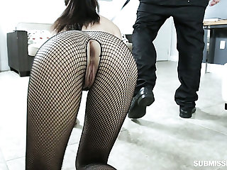 Hoochie in ripped fishnet pantyhose Jasmine Vega gives will not hear of head before a crazy sexual relations with will not hear of ex-bf