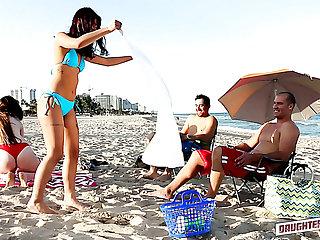 Lustful bikini girls strive lured buddies be beneficial to wettish doggy pounding