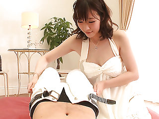 Japanese geisha Hitomi Oki works on hairy cock be required of her kinky impoverish