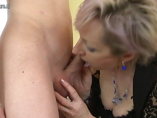 Horny mature mom fucked wits young boy