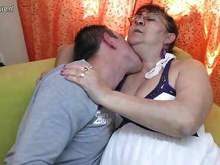 Total old granny sucking a enduring young cock